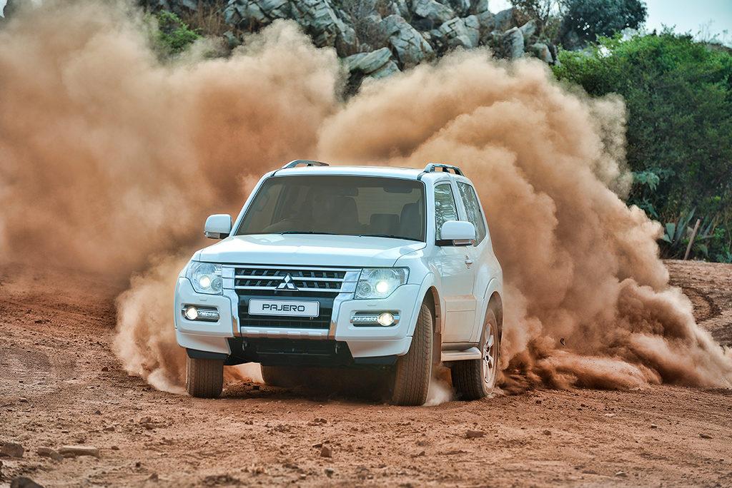 Pajero SWB - dusty Outdoors