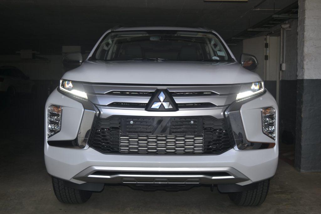 Mitsubishi Pajero Sport Front
